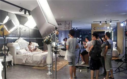 广州广告片拍摄时是怎么布光的?