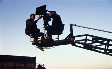 制作短视频品牌形象宣传片怎么顺光拍摄?