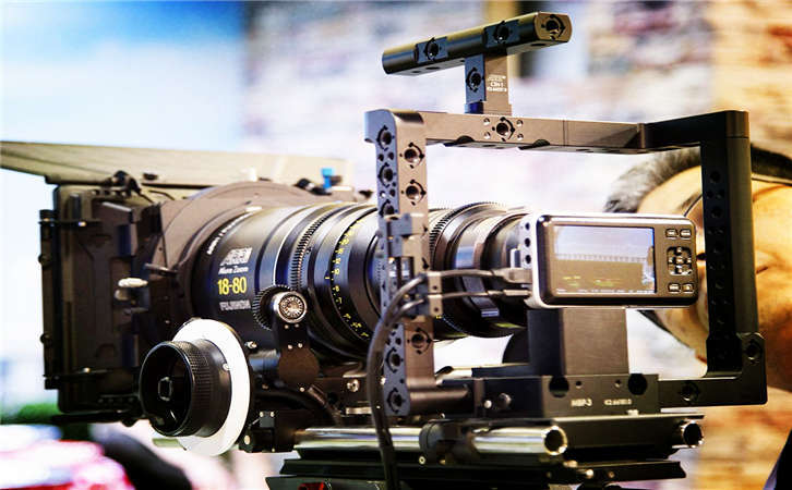 影视制作通过这样的方式来展现产品的优势