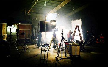 详解企业广告片常用的三种拍摄手法