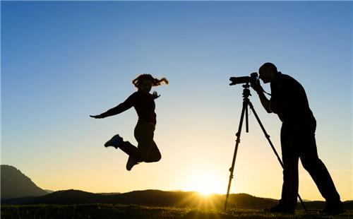 广州民宿中制作视频品牌形象片有哪些拍摄技巧?
